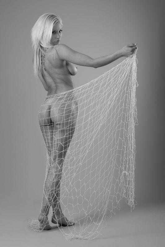 a latter day kraka artistic nude photo by photographer anders bildmakare
