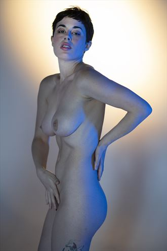 a light touch artistic nude photo by photographer jos%C3%A9