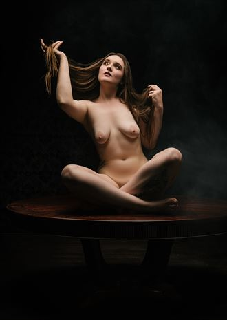 a masterful center peice artistic nude photo by model jentriejane