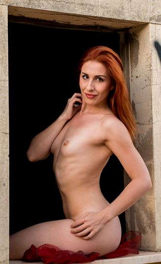 a red so hair artistic nude photo by photographer mikeal brecks