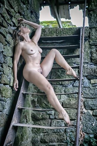 a step up artistic nude photo by model selkie