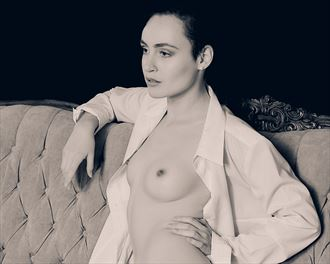 a woman s strength artistic nude photo by photographer robin burch