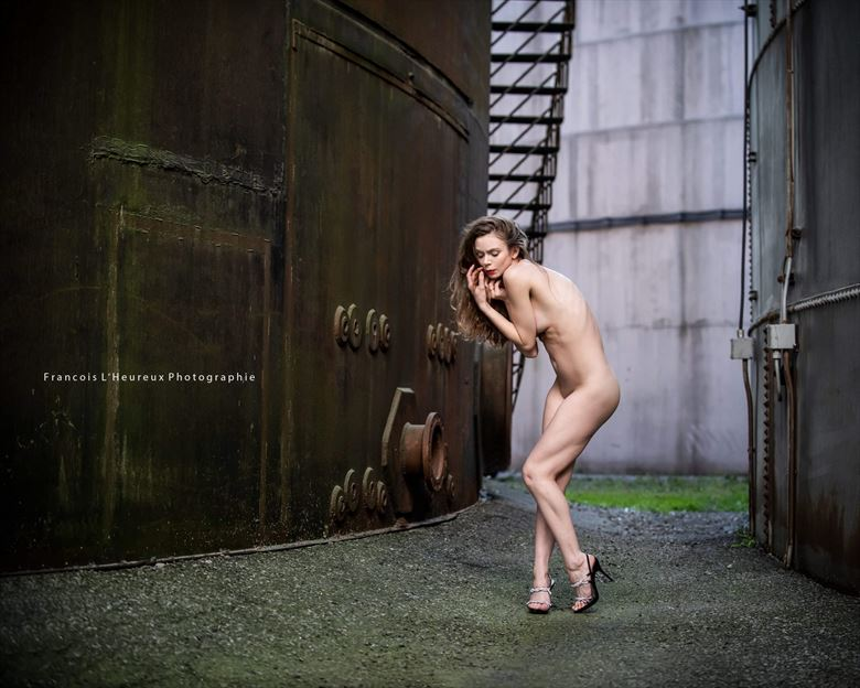 abandoned artistic nude photo by model jay ban