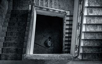 abandoned artistic nude photo by photographer tris dawson