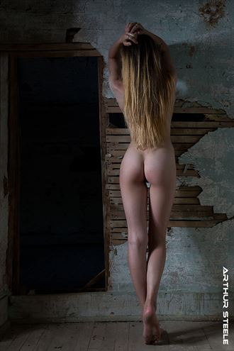 abandoned room artistic nude photo by photographer arthur_steele