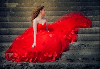 abstract fashion photo by model ava nicholson