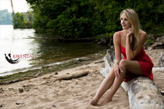 adlee ray by the river portrait photo by photographer kikentai photo