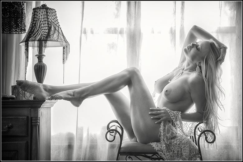 afternoon glow artistic nude photo by photographer magicc imagery