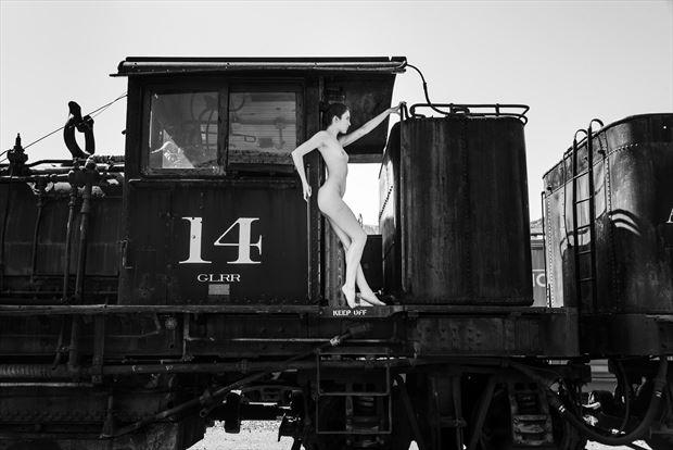 ahna train artistic nude photo by photographer gunnar