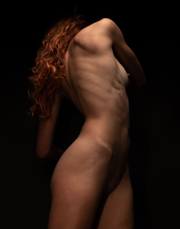 alaina with a twist artistic nude photo by photographer dave earl