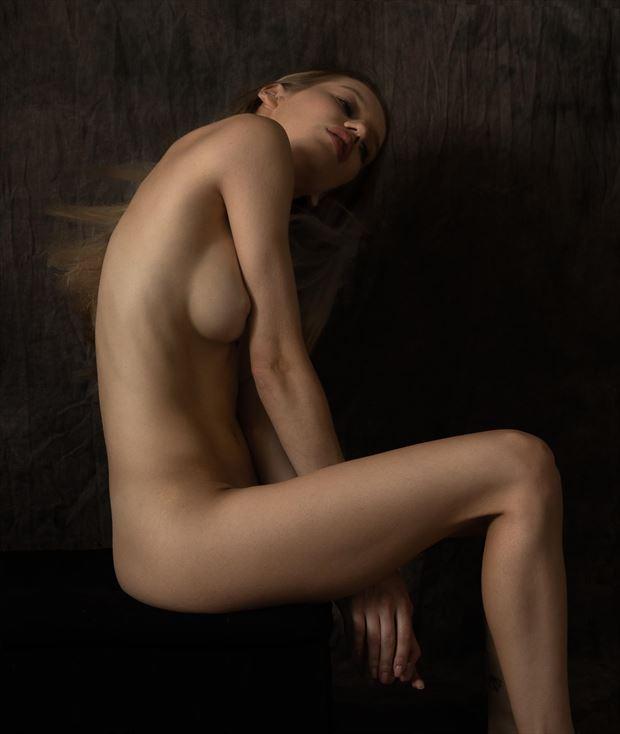 alina solitude sensual photo by photographer thatzkatz
