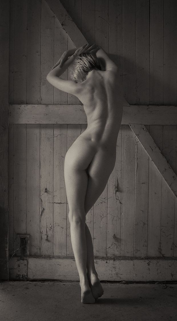 all alone artistic nude photo by photographer serenesunrise