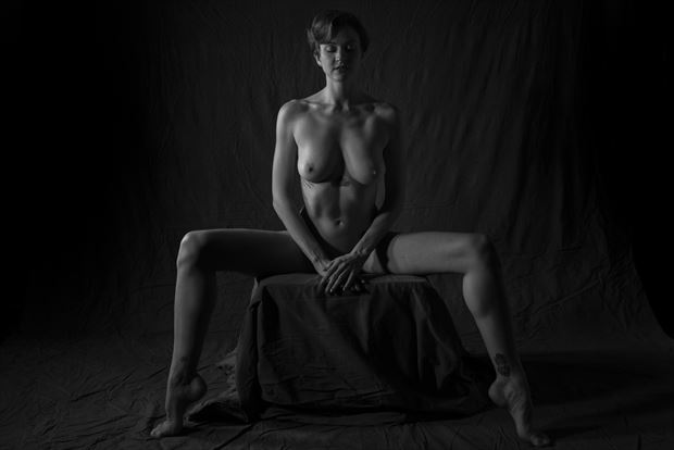 allie artistic nude photo by photographer domingo medina