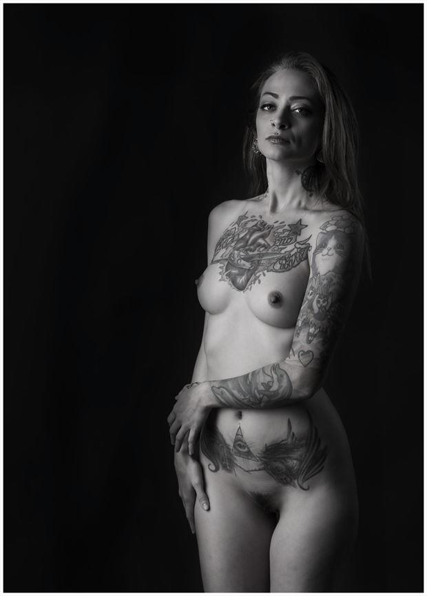 along artistic nude photo by photographer tommy 2 s