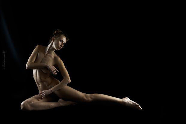 amarutta body language sensual photo by photographer jose carrasco