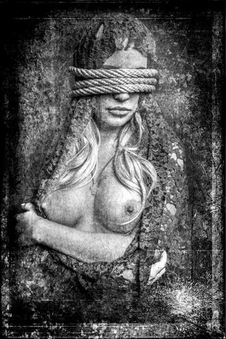 amber artistic nude artwork by photographer henney