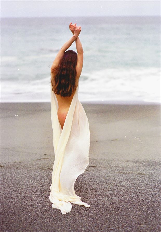amber by the beach artistic nude photo by photographer john o