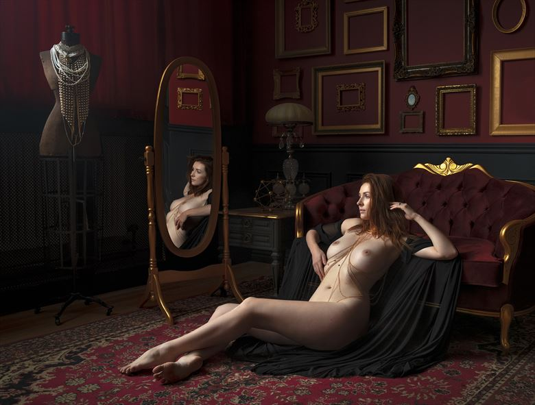 aphrodite and her mirror artistic nude photo by photographer ellis