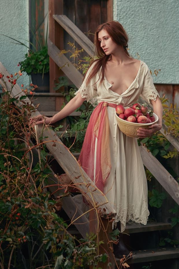 apples and pears w kate snig artistic nude photo by photographer robin burch