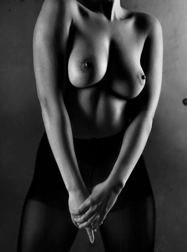 approach artistic nude photo by photographer dream digital photog