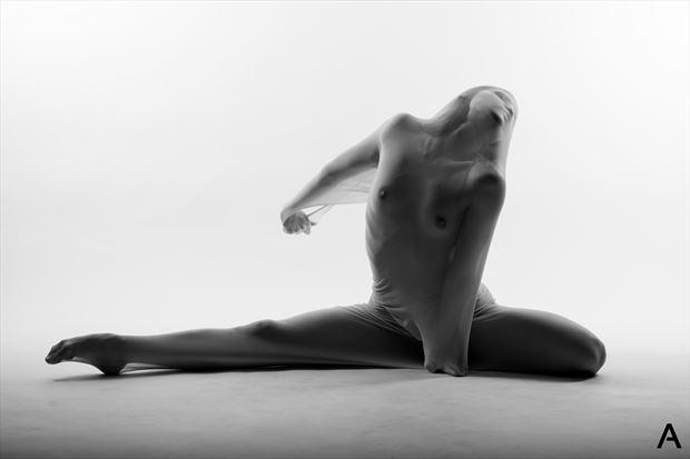 artemis 5 artistic nude photo by photographer apetura