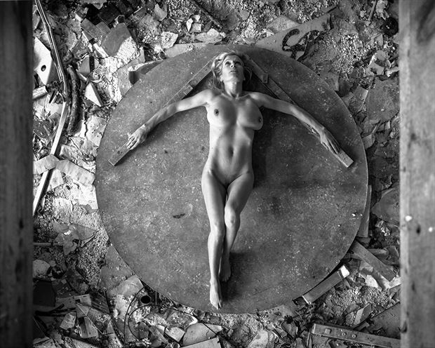 artistic nude architectural photo by photographer woodman chris