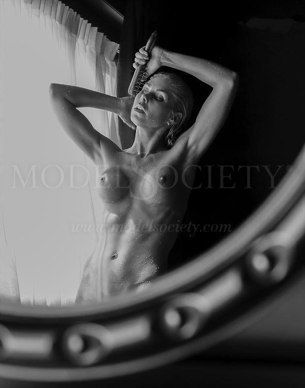 artistic nude artwork by photographer tomsartphoto