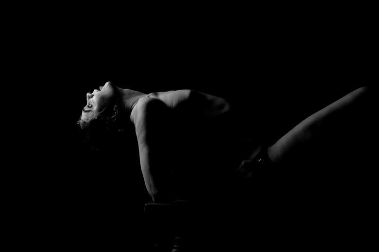 artistic nude chiaroscuro artwork by model sonia model ireland