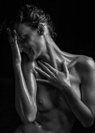 artistic nude chiaroscuro artwork by photographer daniel baraggia