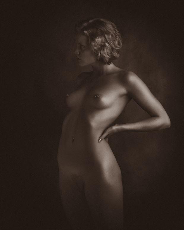 artistic nude chiaroscuro photo by photographer aj kahn