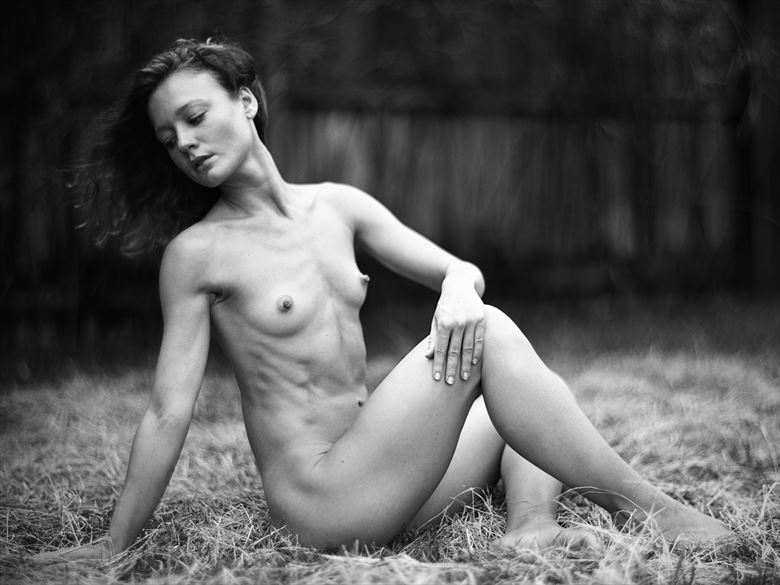 artistic nude chiaroscuro photo by photographer dwayne martin