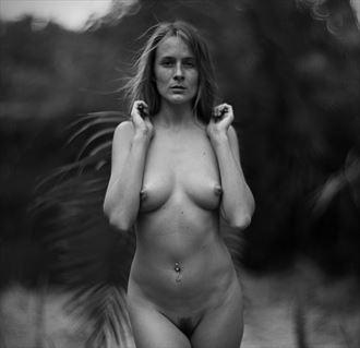artistic nude chiaroscuro photo by photographer dwayne martin