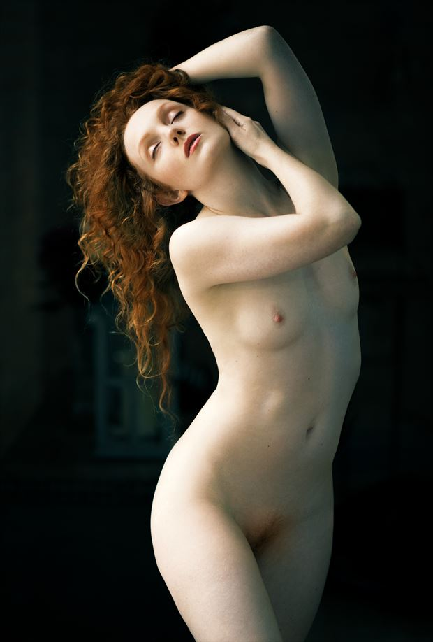 artistic nude chiaroscuro photo by photographer ellis