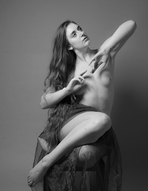 artistic nude chiaroscuro photo by photographer proton