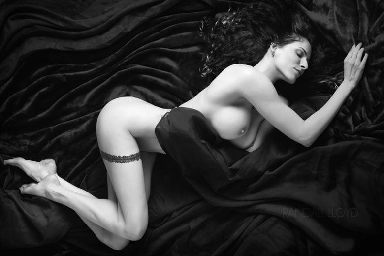 artistic nude chiaroscuro photo by photographer randall lloyd