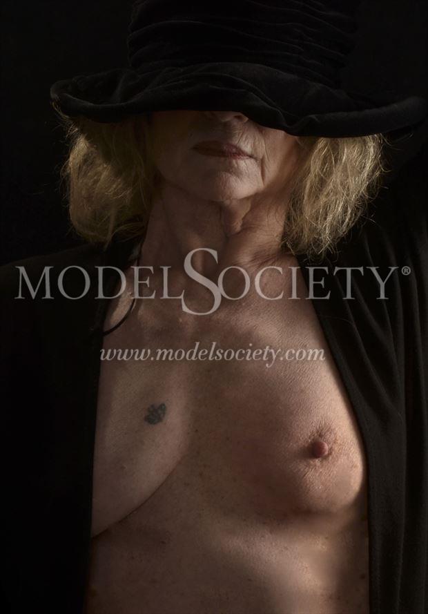 artistic nude close up photo by photographer studiovi2