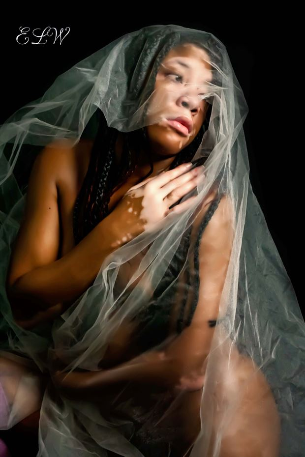 artistic nude emotional photo by model izzy_p25