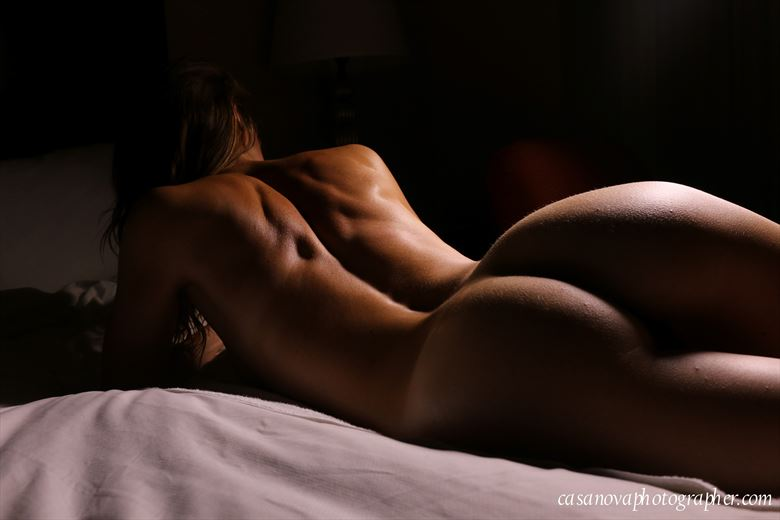 artistic nude erotic photo by photographer low light photos