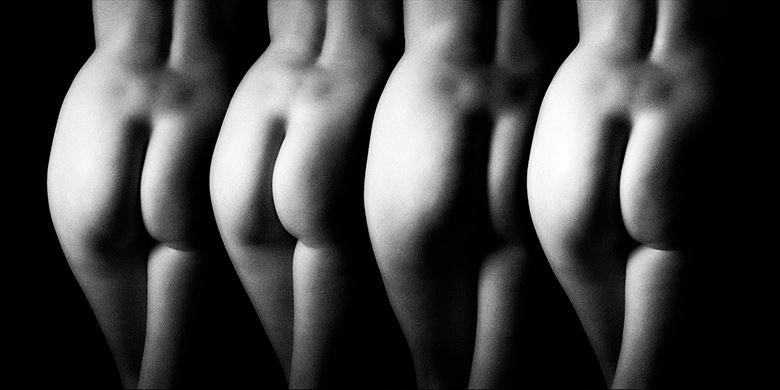 artistic nude erotic photo by photographer mick gron