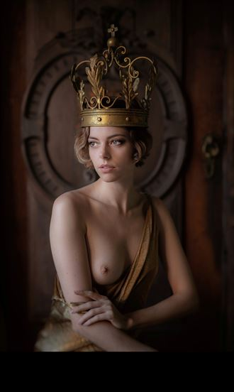 artistic nude fantasy photo by model riona neve