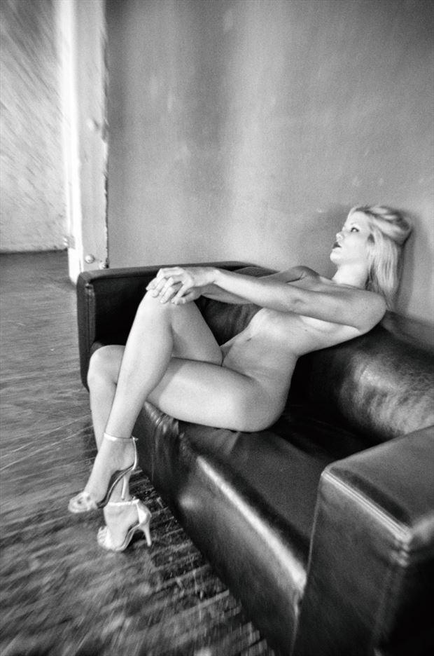 artistic nude fetish artwork by photographer emissivity