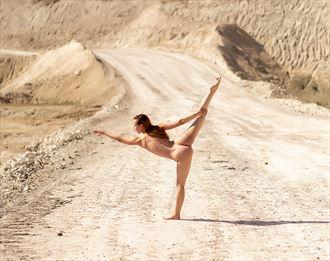 artistic nude figure study artwork by photographer mortenyutani