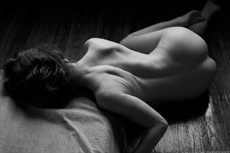 artistic nude figure study photo by model liv sage