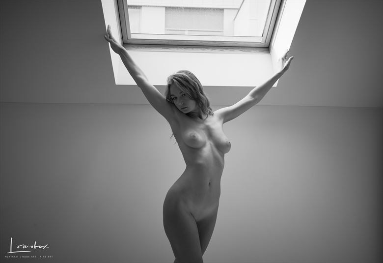 artistic nude figure study photo by photographer lomobox