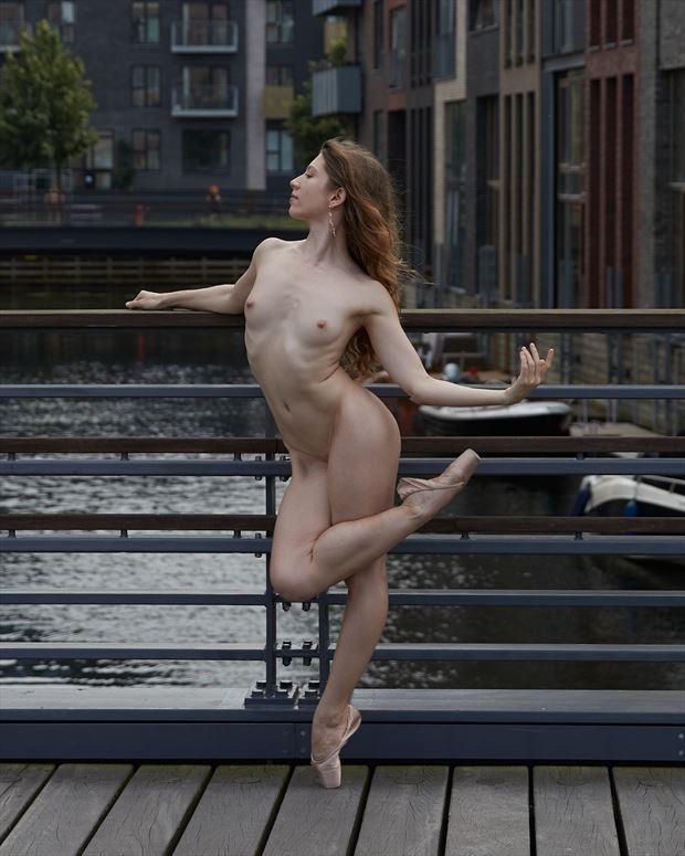artistic nude figure study photo by photographer matthew johnson