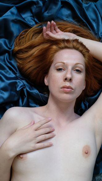 artistic nude figure study photo by photographer paul williamson