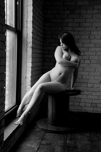 artistic nude figure study photo by photographer ray valentine