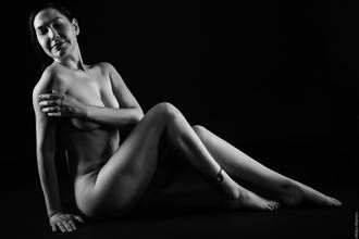 artistic nude glamour photo by photographer mikewarren