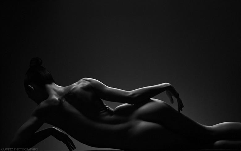 artistic nude implied nude photo by photographer sasha onyshchenko