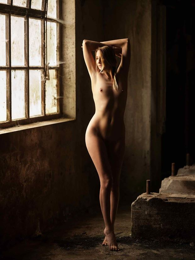 artistic nude natural light photo by model sofie